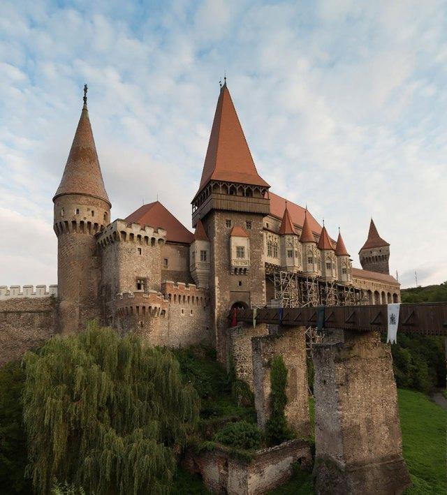 Le château de Corvin